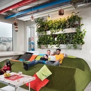 عکس - ترکیب هنر و عملکرد در دفترکار گوگل در بوداپست